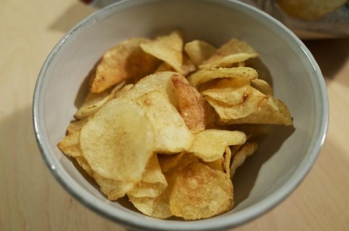 堅あげポテト 塩とごま油