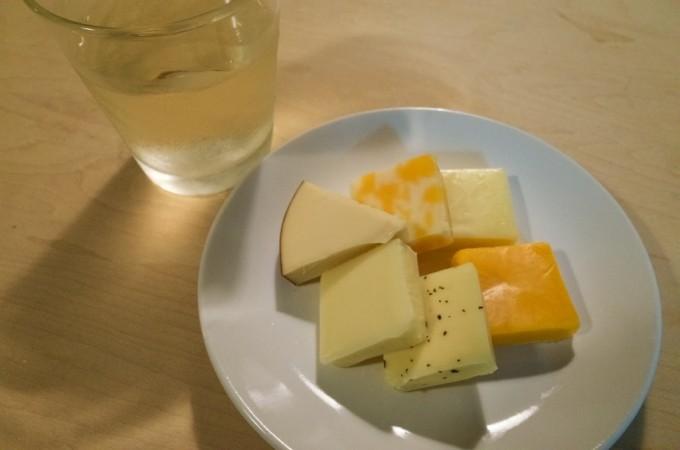 チーズアソートと甲州ワイン