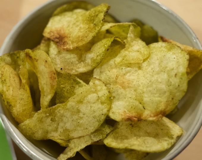 静岡限定 お茶塩ポテトチップス